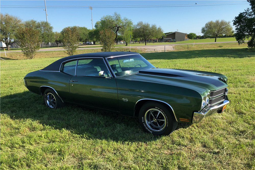 1970 CHEVROLET CHEVELLE SS 396 - Front 3/4 - 219827