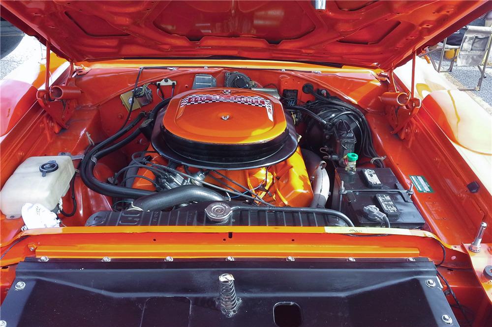 1970 PLYMOUTH ROAD RUNNER SUPERBIRD - Engine - 219860
