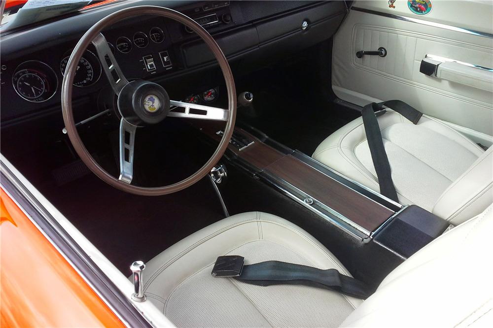 1970 PLYMOUTH ROAD RUNNER SUPERBIRD - Interior - 219860