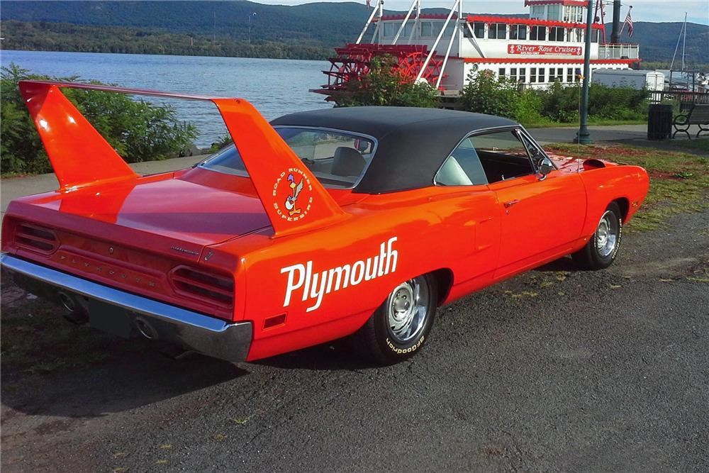 1970 PLYMOUTH ROAD RUNNER SUPERBIRD - Rear 3/4 - 219860