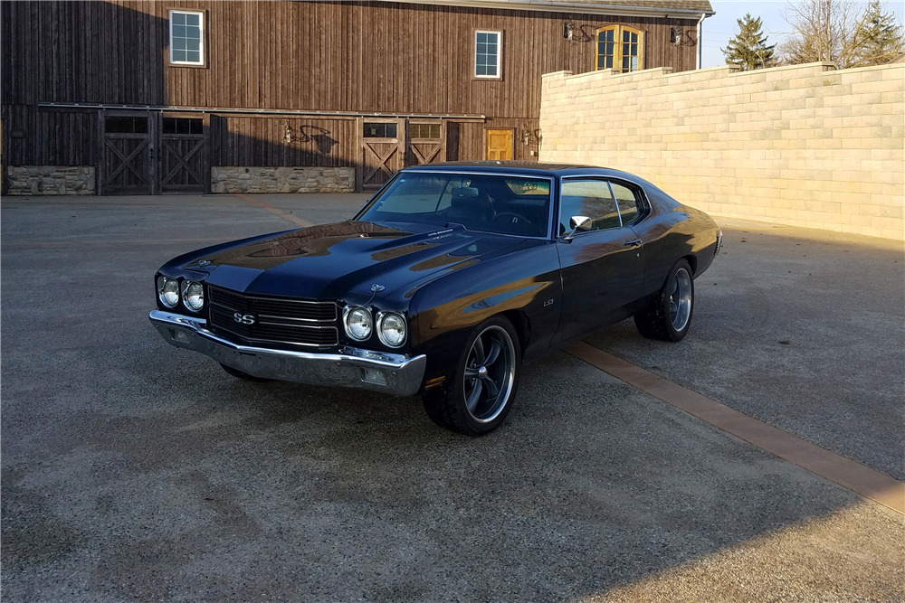 1970 CHEVROLET CHEVELLE CUSTOM COUPE - Front 3/4 - 219926