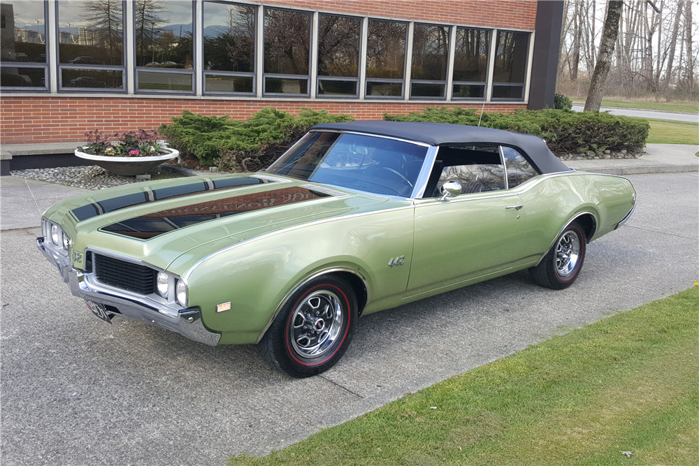 1969 OLDSMOBILE 442 CONVERTIBLE - Front 3/4 - 219960