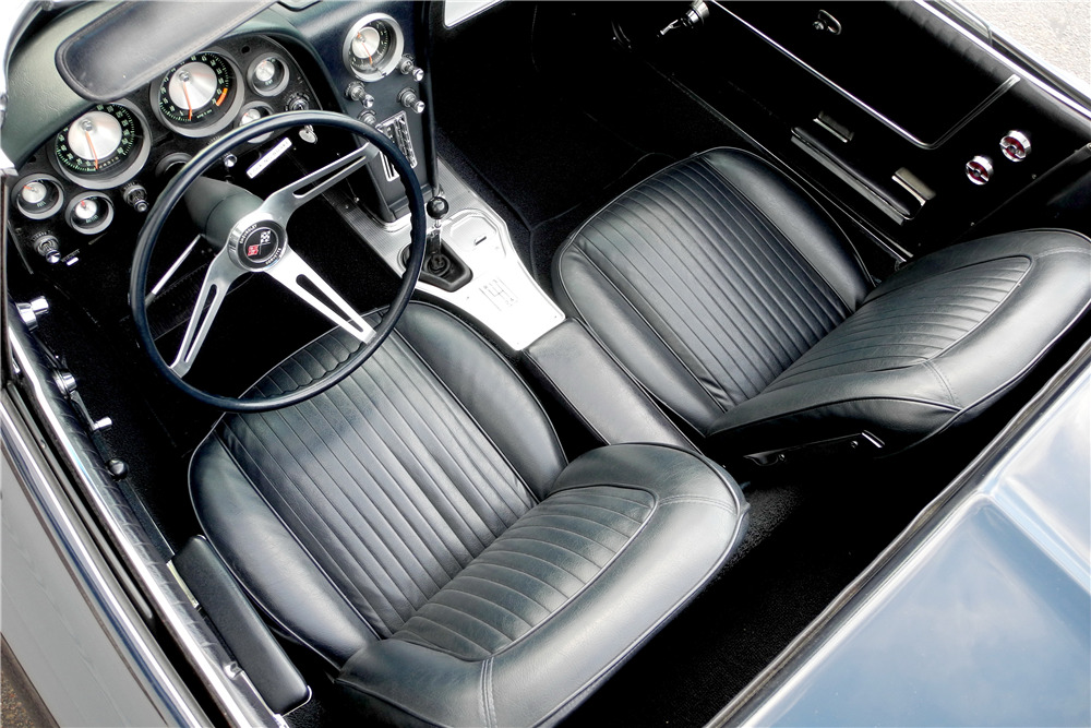 1963 CHEVROLET CORVETTE 327/340 CONVERTIBLE - Interior - 220037
