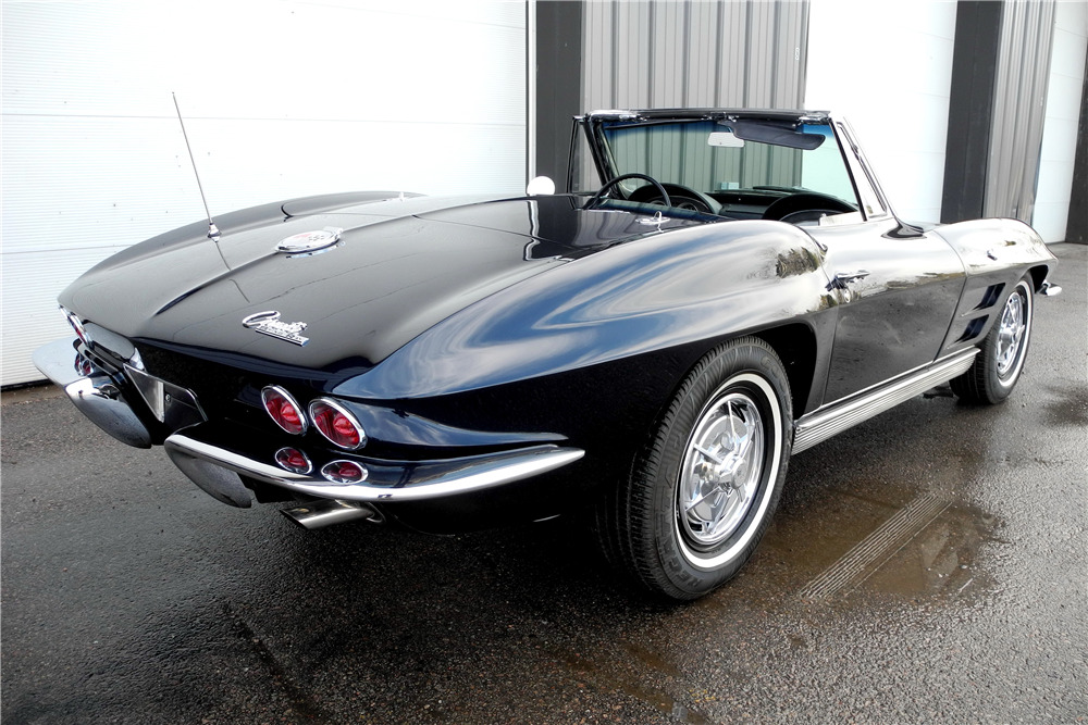 1963 CHEVROLET CORVETTE 327/340 CONVERTIBLE - Rear 3/4 - 220037