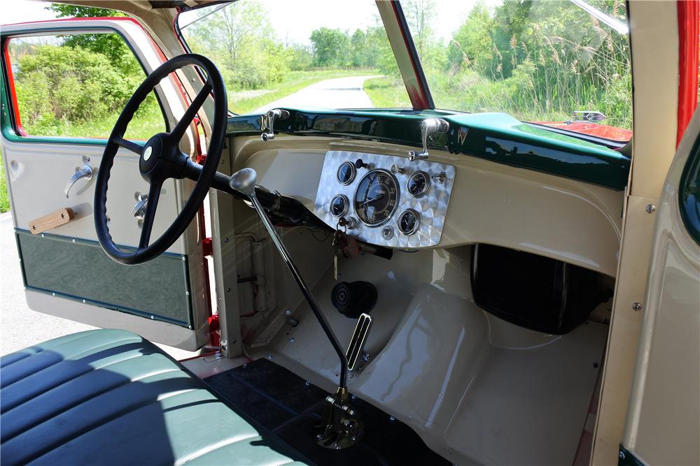 1941 DIAMOND T 201 CUSTOM PICKUP - Interior - 220048