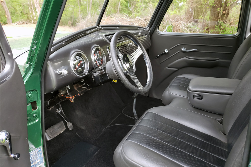 1953 CHEVROLET 3100 DELUXE 5-WINDOW CUSTOM PICKUP - Interior - 220062