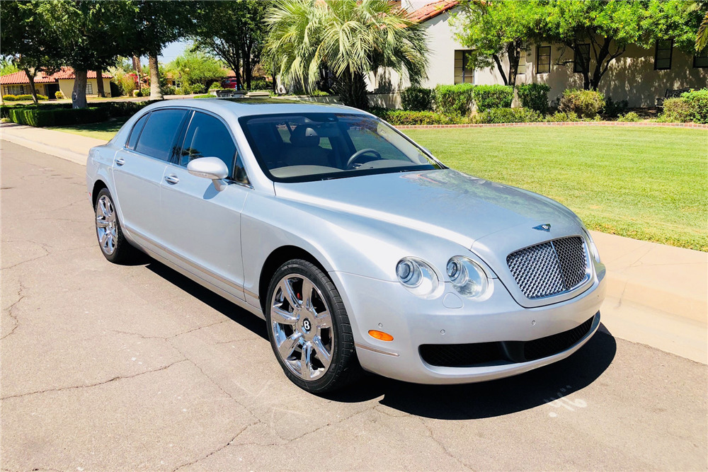 2006 BENTLEY CONTINENTAL FLYING SPUR SEDAN - Front 3/4 - 220067