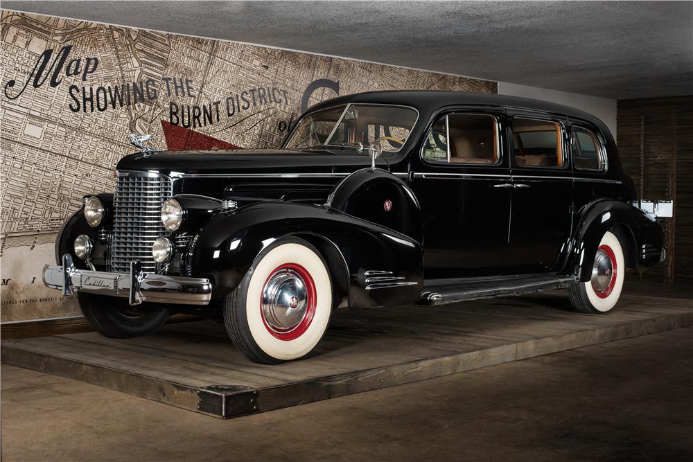 1938 CADILLAC V16 SERIES 90 - Front 3/4 - 220133