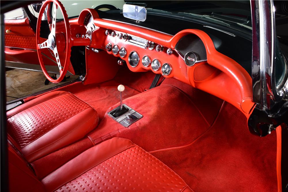 1957 CHEVROLET CORVETTE - Interior - 220134