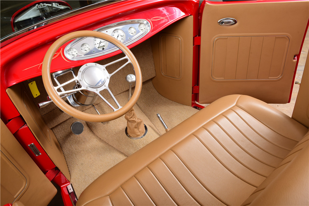 1932 FORD CUSTOM ROADSTER - Interior - 220149
