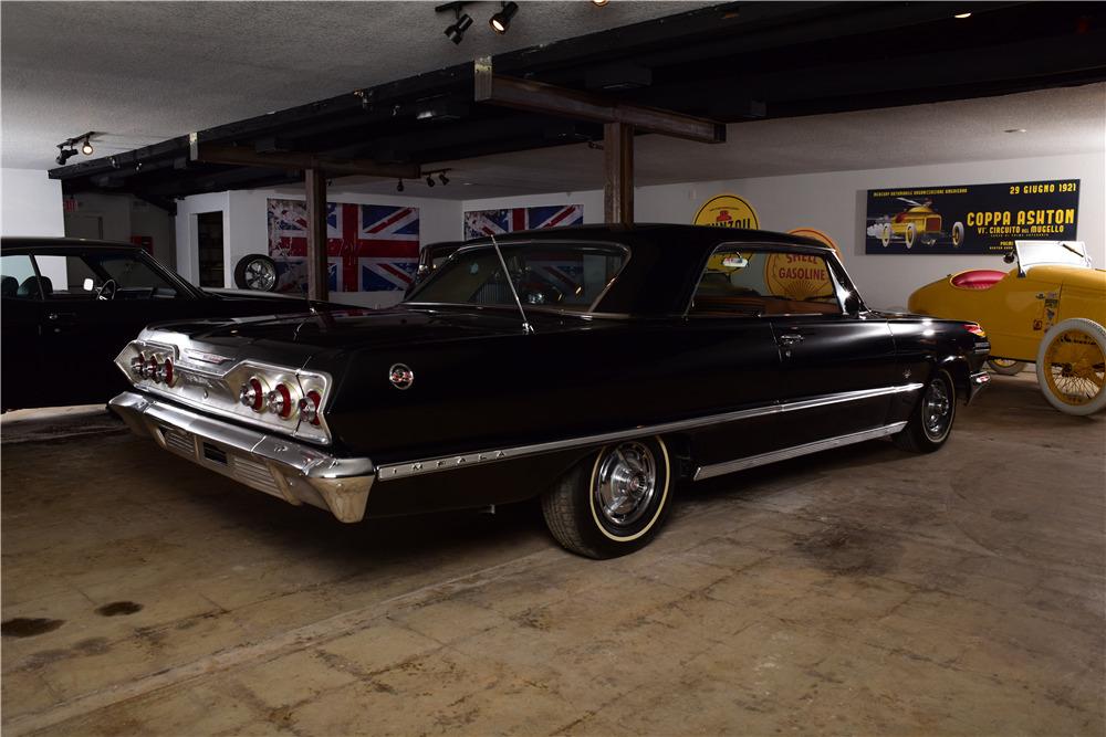 1963 CHEVROLET IMPALA SS - Rear 3/4 - 220153