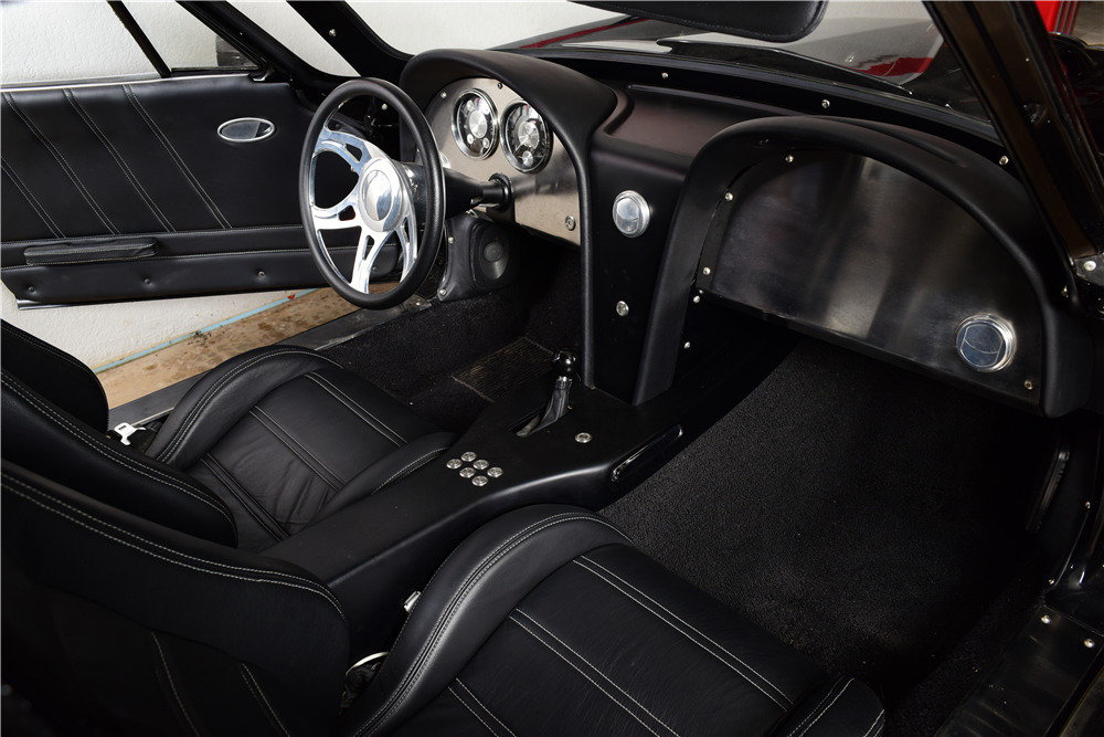 1964 CHEVROLET CORVETTE CUSTOM COUPE - Interior - 220168