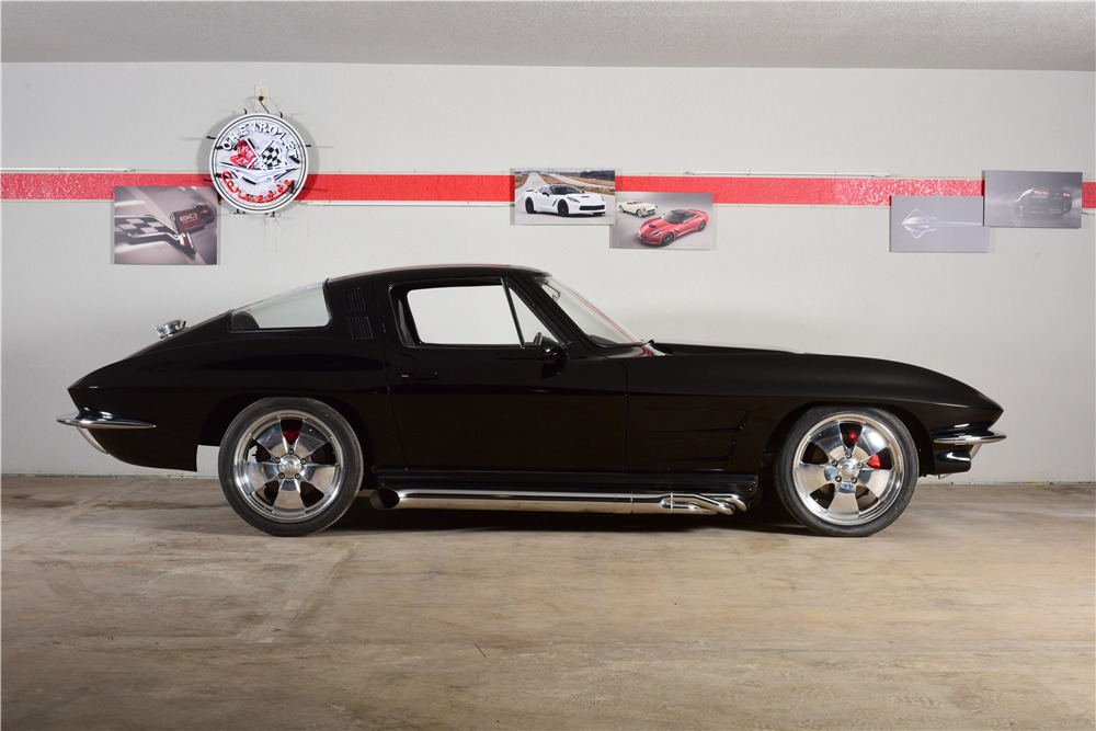 1964 CHEVROLET CORVETTE CUSTOM COUPE - Side Profile - 220168