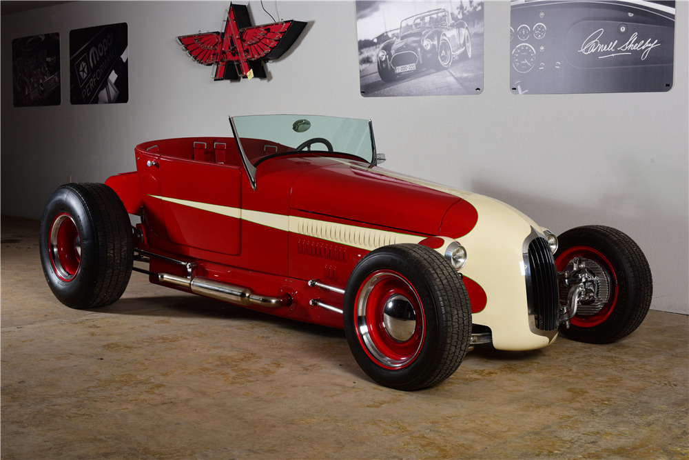 1926 FORD CUSTOM ROADSTER - Front 3/4 - 220170