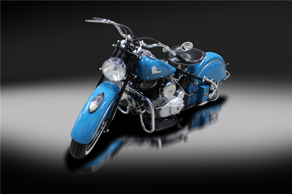 1946 INDIAN CHIEF MOTORCYCLE - Front 3/4 - 220182