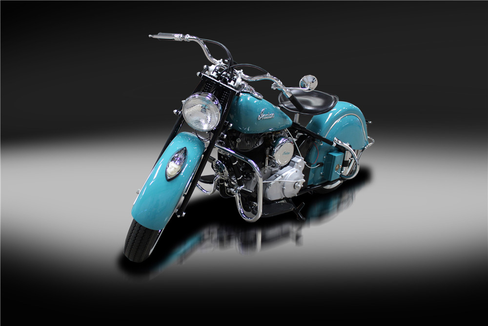 1947 INDIAN CHIEF MOTORCYCLE - Front 3/4 - 220183