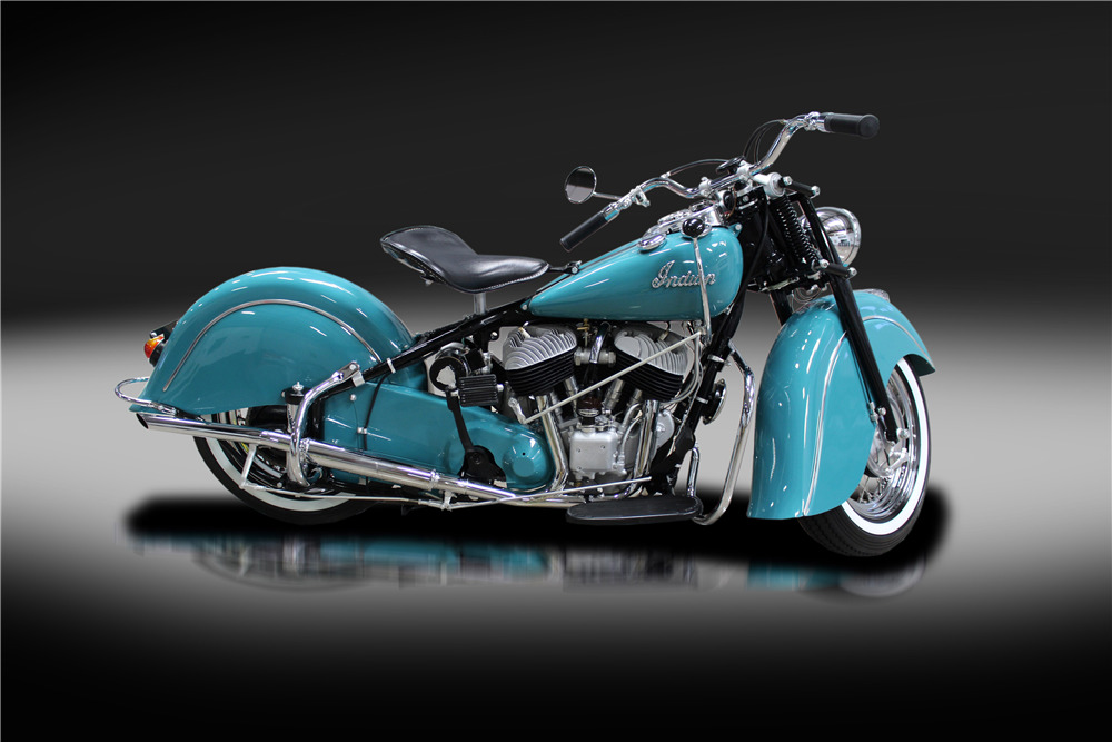 1947 INDIAN CHIEF MOTORCYCLE - Side Profile - 220183