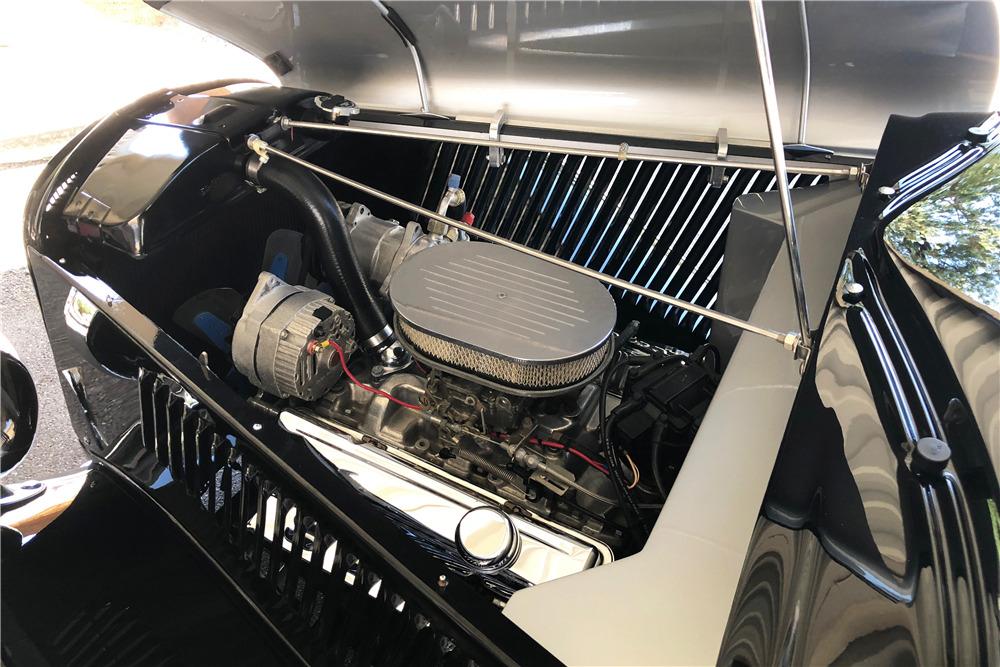 1933 FORD CUSTOM WOODY WAGON - Engine - 220318