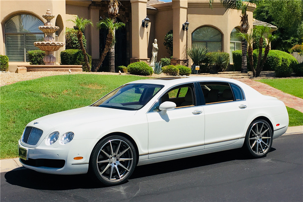 2006 BENTLEY FLYING SPUR - Front 3/4 - 222601
