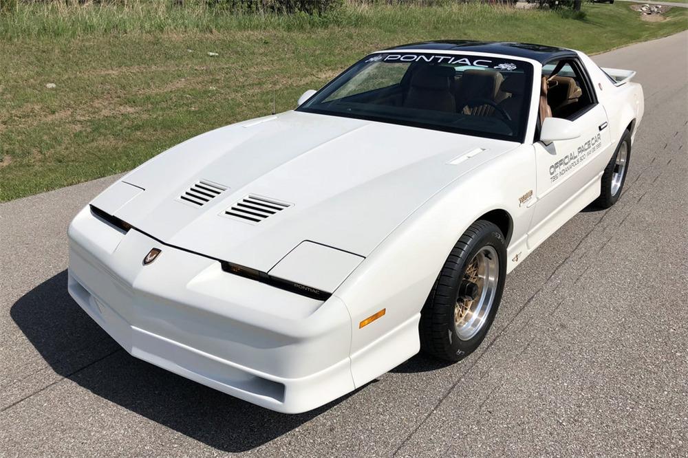 1989 PONTIAC FIREBIRD TRANS AM PACE CAR - Front 3/4 - 225857