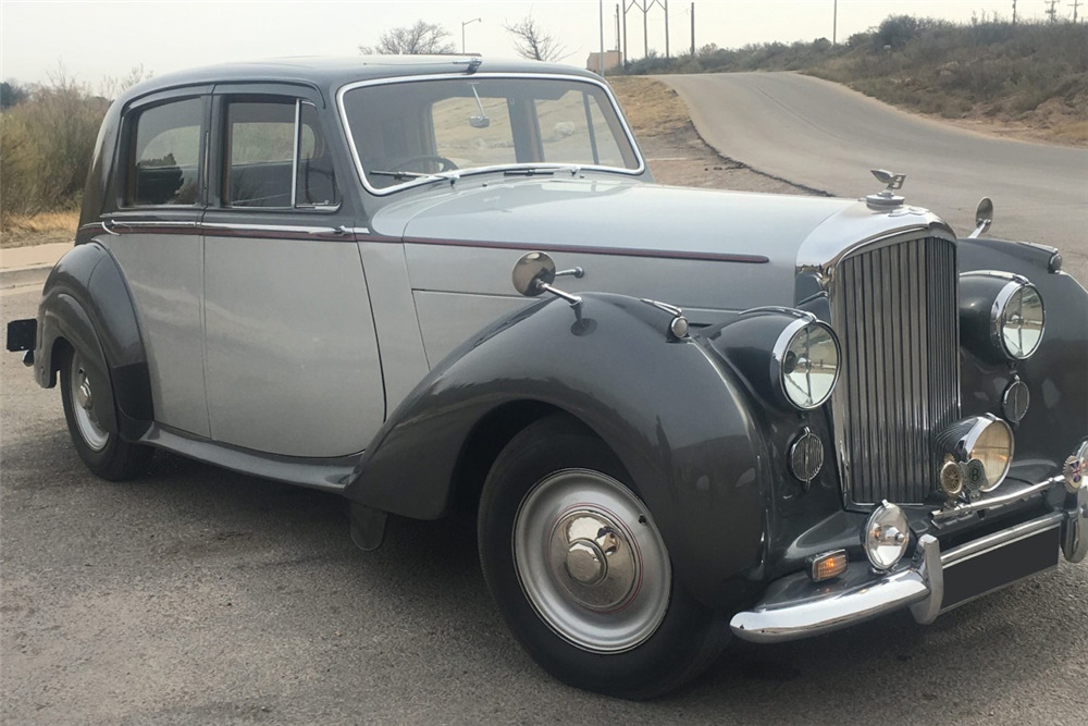 1949 BENTLEY MARK VI 4-DOOR - Front 3/4 - 228568