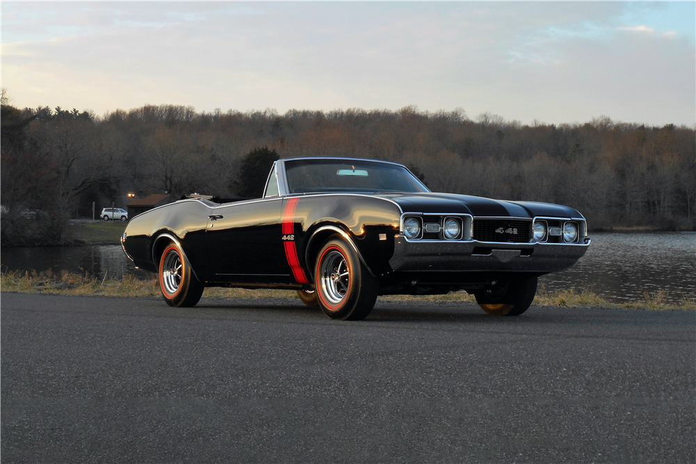 1968 OLDSMOBILE 442 CONVERTIBLE - Front 3/4 - 229829