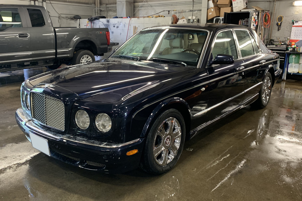 2005 BENTLEY ARNAGE RED LABEL SEDAN - Front 3/4 - 233329