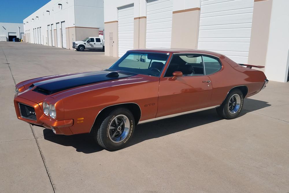 1971 PONTIAC GTO - Front 3/4 - 234072