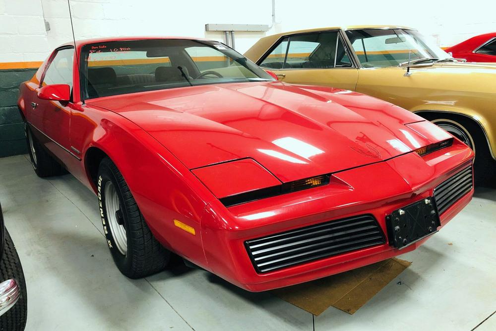 1984 PONTIAC FIREBIRD - Front 3/4 - 234451