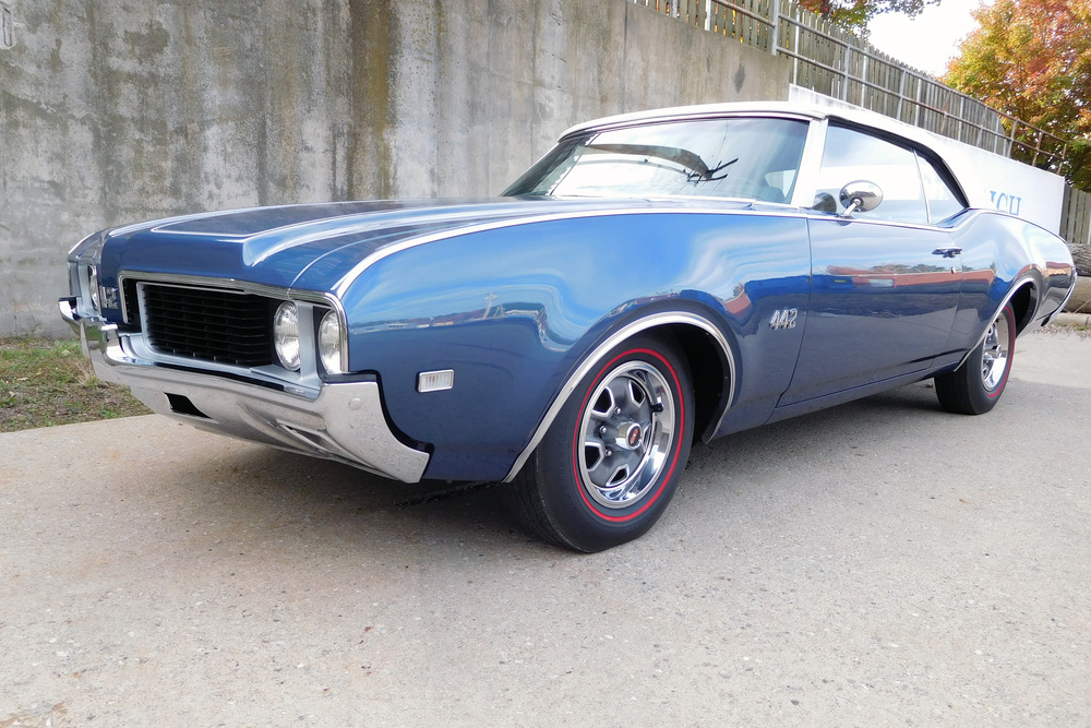 1969 OLDSMOBILE 442 CONVERTIBLE - Front 3/4 - 236421