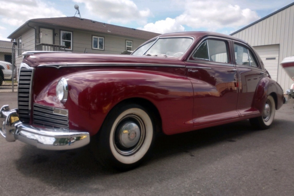 1947 PACKARD CLIPPER SEDAN - Front 3/4 - 236590