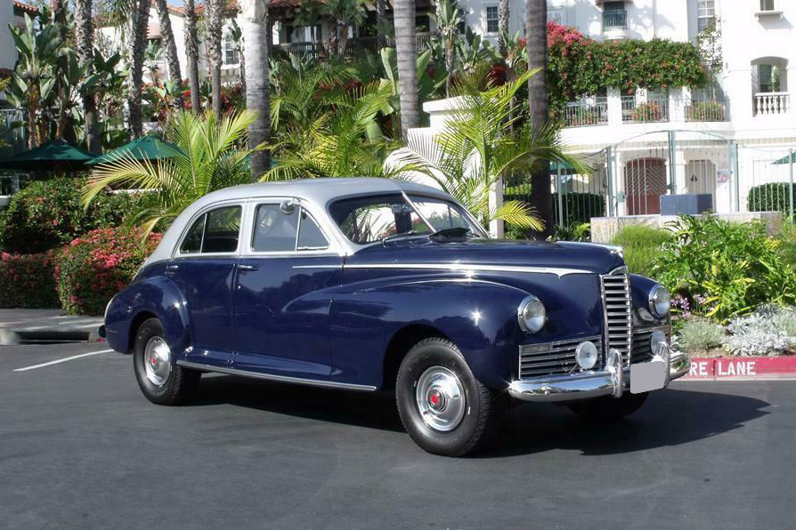 1946 PACKARD CLIPPER - Front 3/4 - 240311