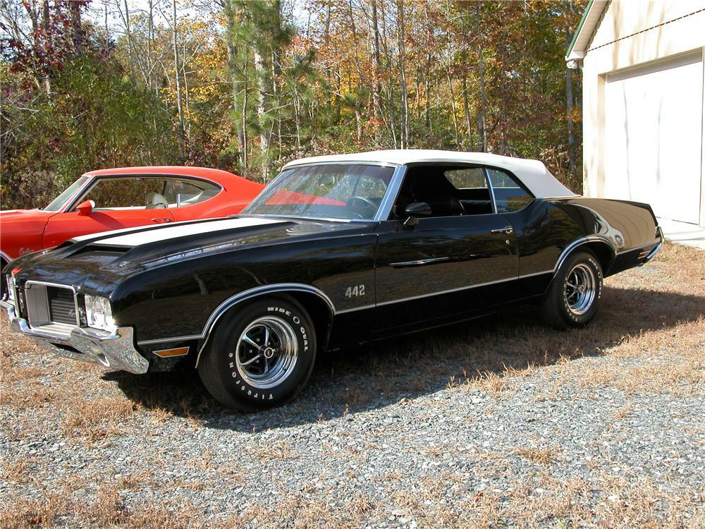 1971 OLDSMOBILE 442 CONVERTIBLE - Front 3/4 - 81145