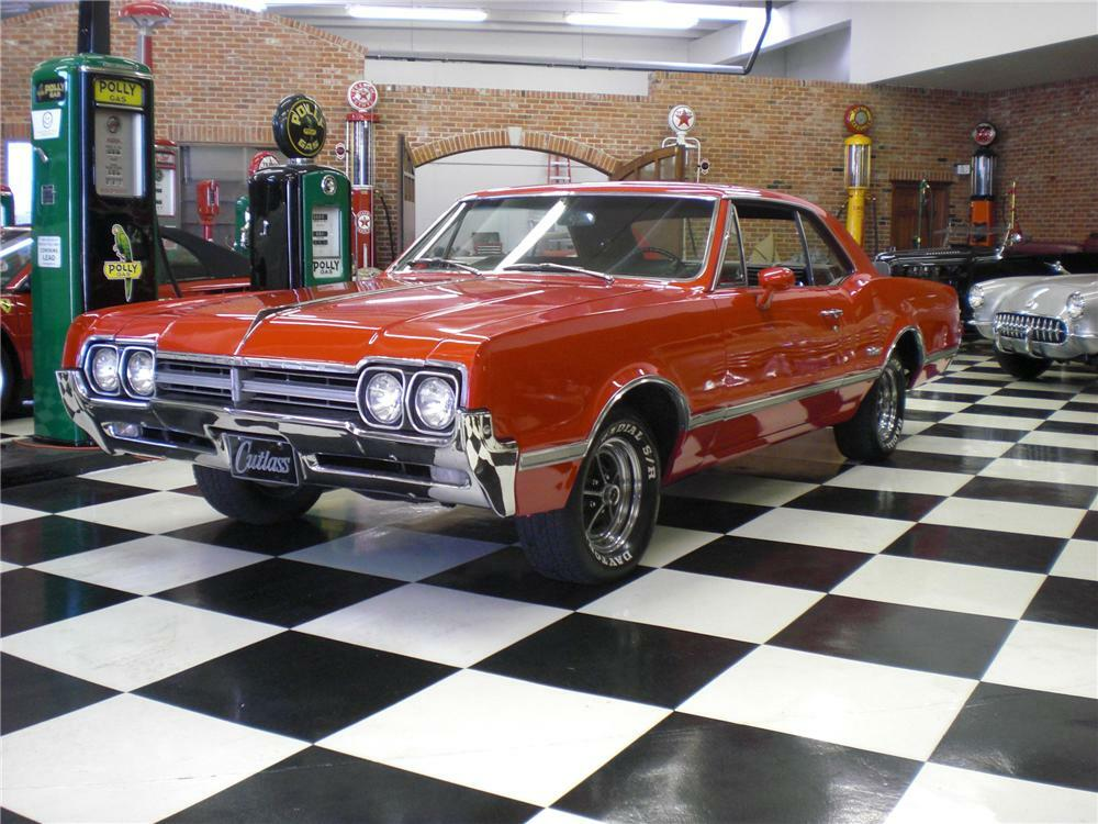 1966 OLDSMOBILE CUTLASS COUPE - Front 3/4 - 82387