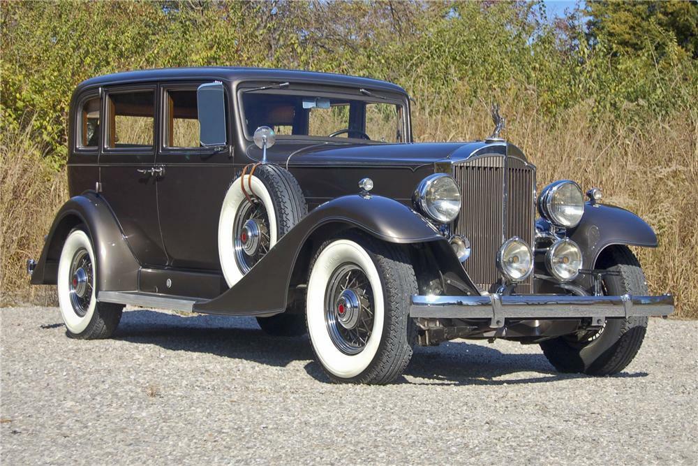 1933 PACKARD SUPER 8 SEDAN - Front 3/4 - 96366