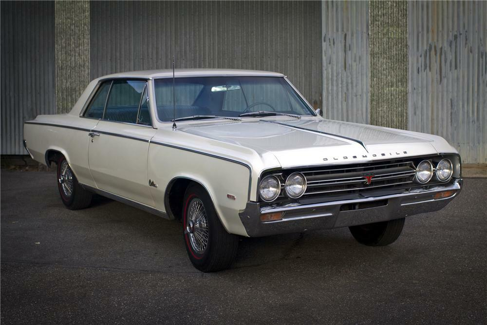 1964 OLDSMOBILE 442 COUPE - Front 3/4 - 96523