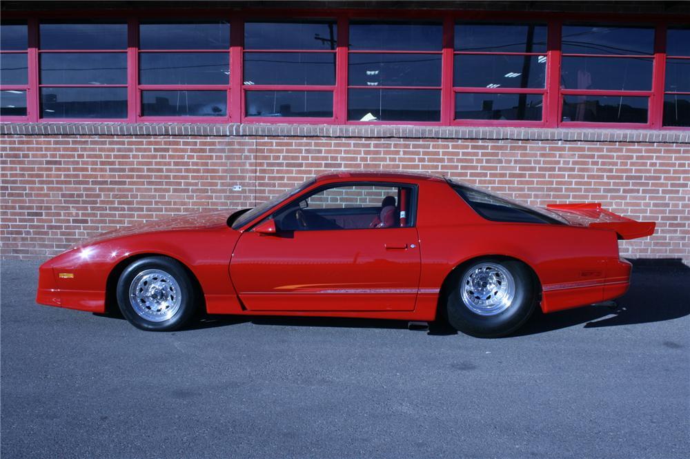 1984 PONTIAC FIREBIRD TRANS AM CUSTOM COUPE - Front 3/4 - 97519