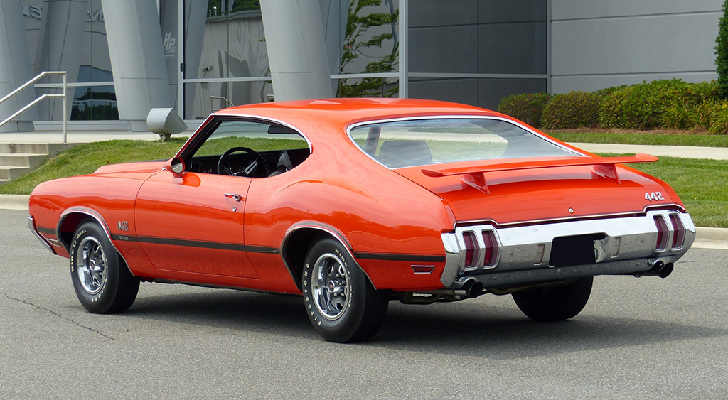Muscle Cars 1970 Camaro Z28 Oldsmobile 442 W30 Holiday Coupe For