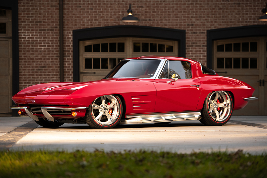 1963 Chevrolet Corvette Split-Window Custom Coupe_Front34