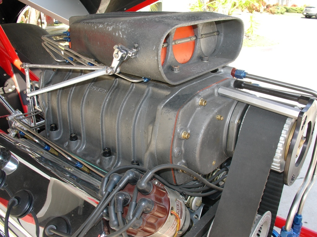 FAMOUS FUNNY CAR: The fully restored Snake II HEMI â