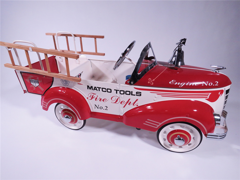 MATCO TOOLS FIRE DEPARTMENT LADDER PEDAL CAR
