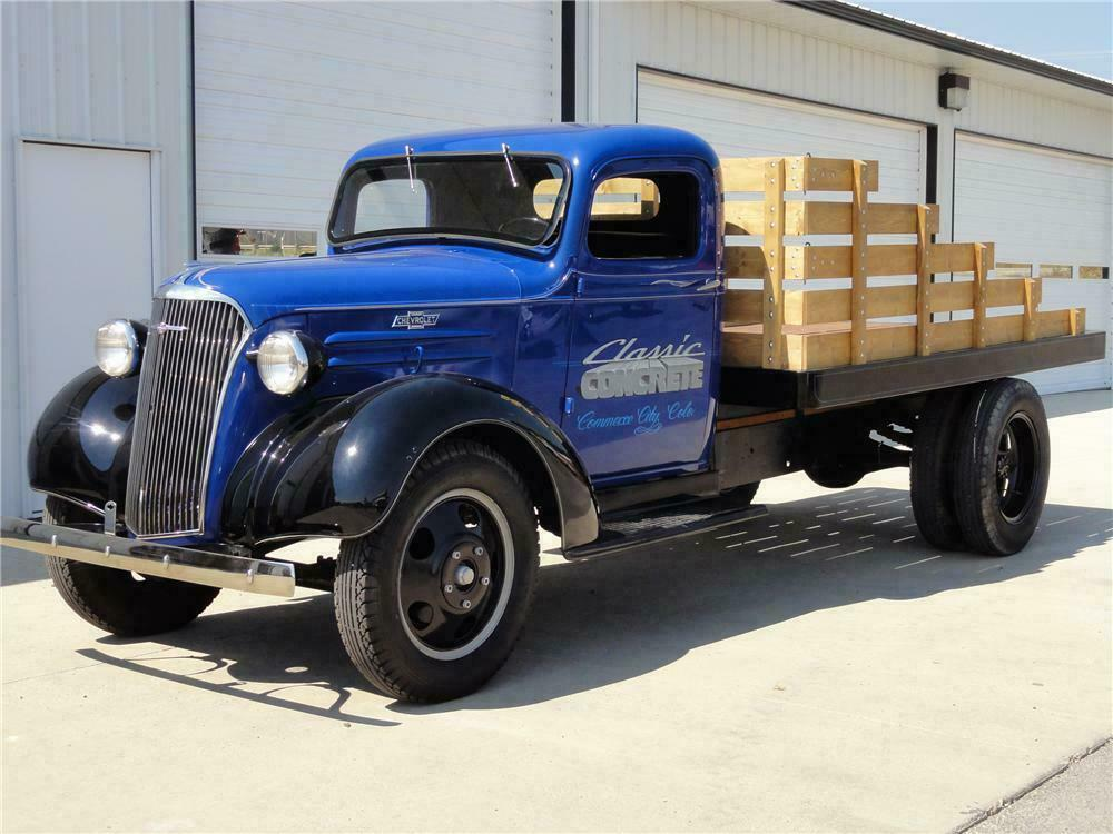 1937 CHEVROLET 1 1/2 TON FLATBED TRUCK