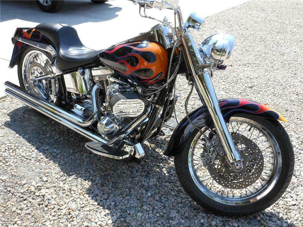 1996 HARLEY-DAVIDSON SOFTAIL MOTORCYCLE