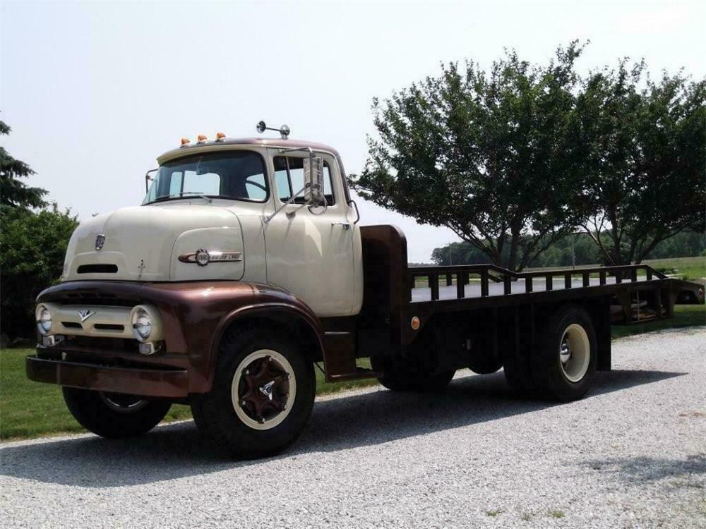 1956 Ford C800 Flatbed Tow Truck