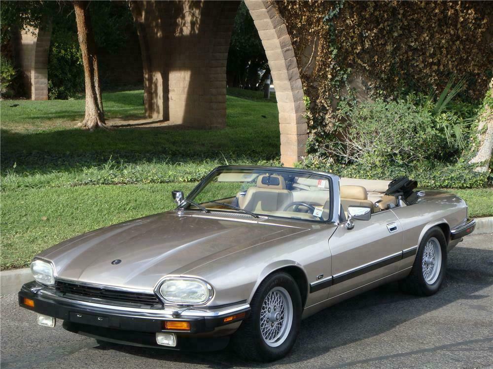 1992 Jaguar Xjs Convertible Front 3 4 133497