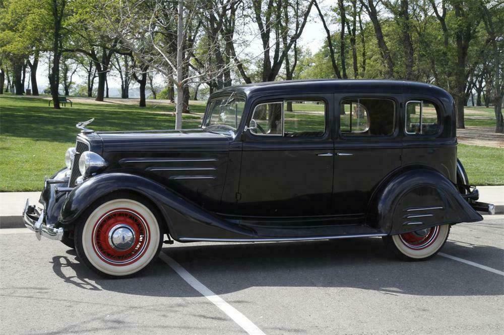 1934 CHEVROLET MASTER DELUXE 2 DOOR HARDTOP