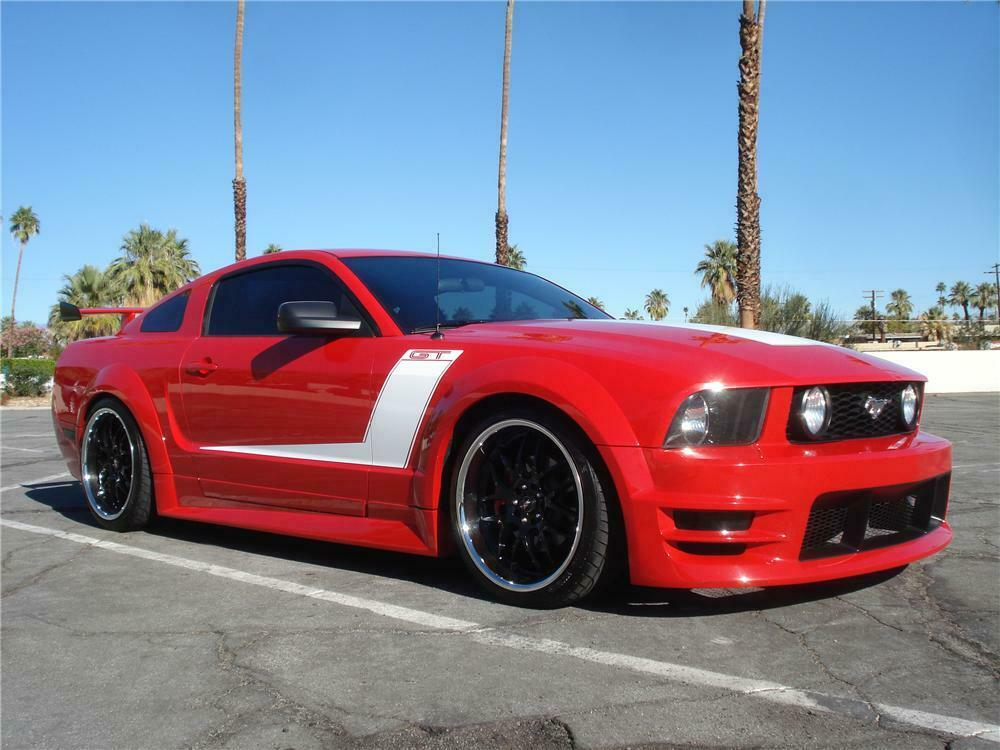 2005 Ford Mustang Gt Coupe Front 3 4 162913