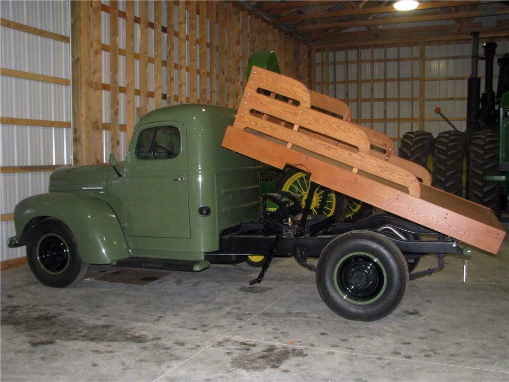 1949 INTERNATIONAL KB3 FLAT BED