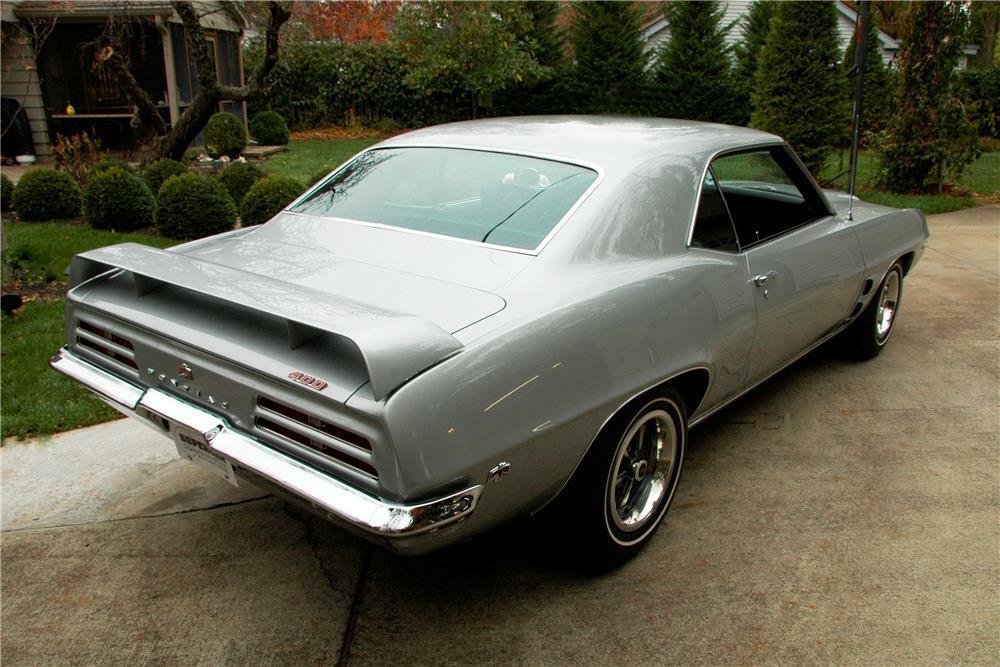 Première année : Pontiac Trans Am  180191_Rear_3-4_Web