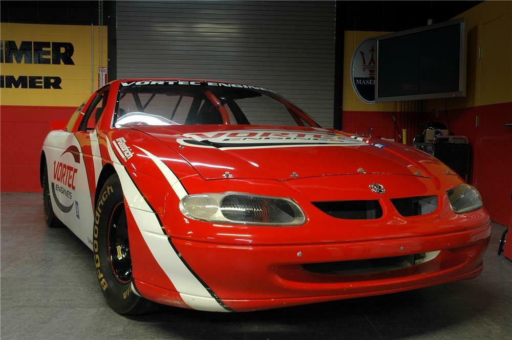 2000 HOLDEN RACE CAR -
